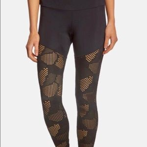 Onzie half/half honeycomb leggings. XS.